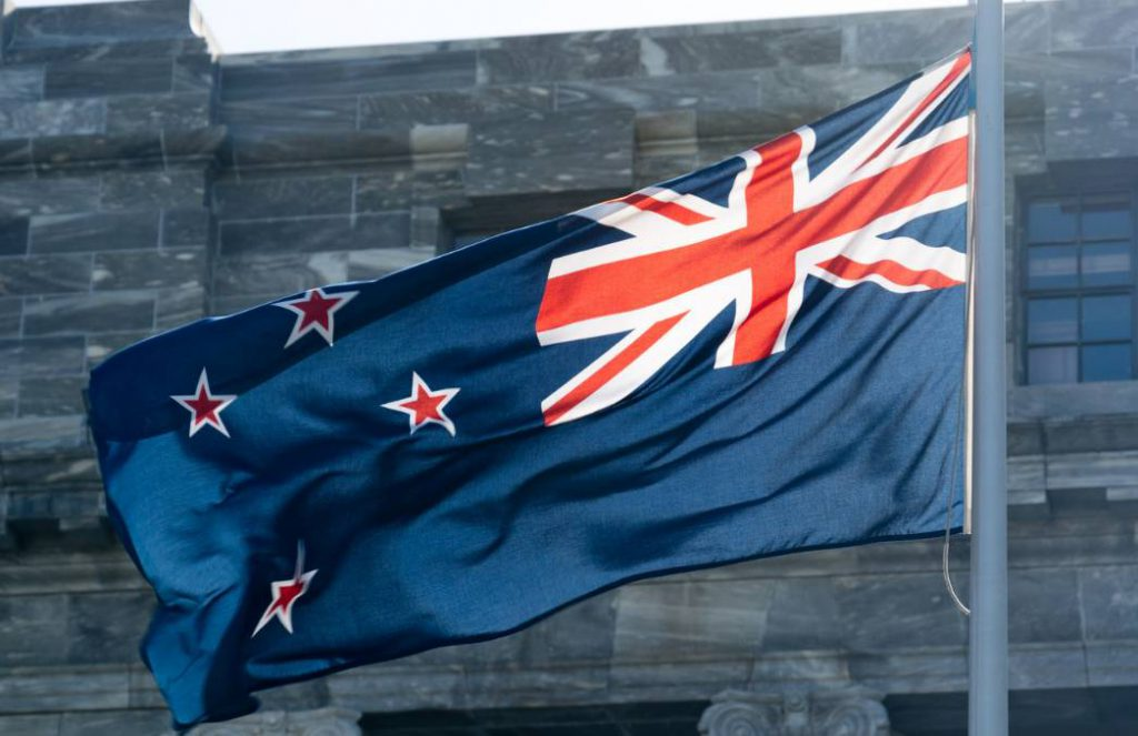 甩给朋友吧。2019新西兰移民方式全解析